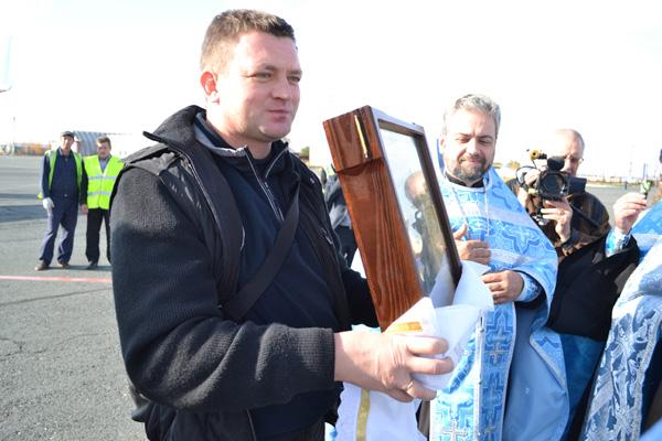 В Орске побывала мироточивая икона, творящая чудеса